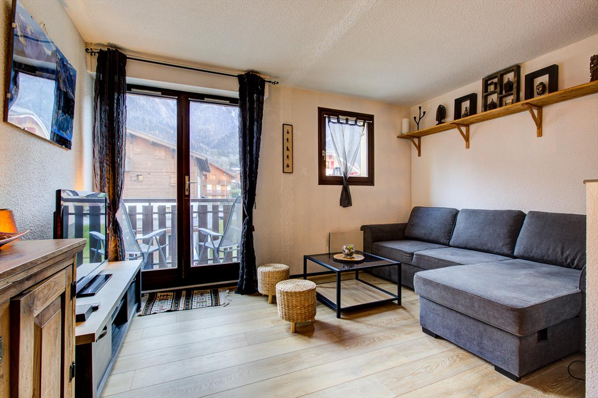 See details CHAMONIX-MONT-BLANC Apartment 3 rooms, 5 bedrooms